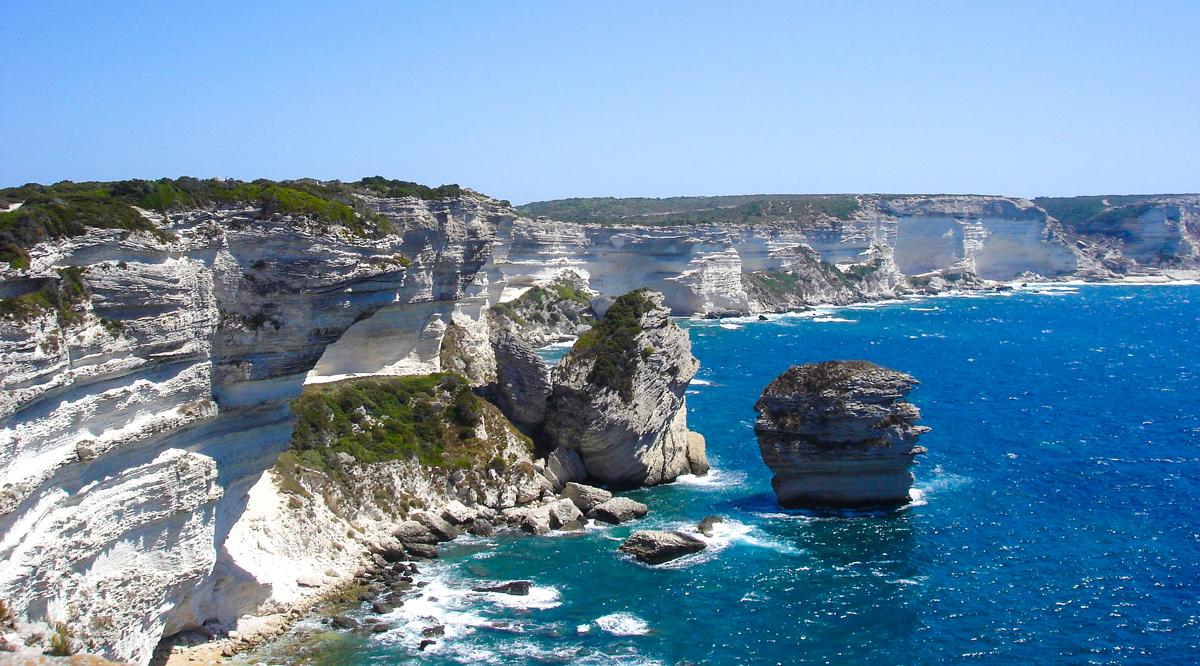 Bonifacio itinerario Corsica barca ormeggi