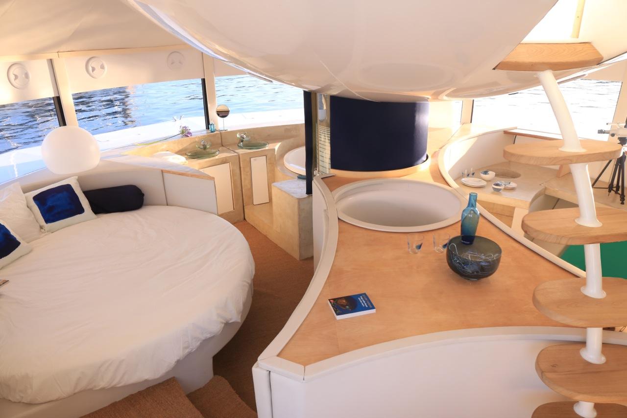 Anthenea interni casa galleggiante